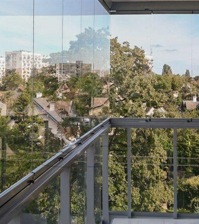 przesuwo-rozwierna-zabudowa-balkonu